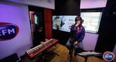 Ehla interprète « Pas d'Ici » en session acoustique !